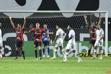 Athletico-PR e Juventude fazem duelo no Campeonato Brasileiro