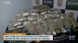 Meia tonelada de maconha foi apreendida dentro de uma Kombi no centro de Curitiba