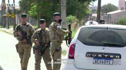 Bandidos roubam carros e são perseguidos pela Polícia