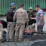Trabalhadores caem em caminhão-tanque com produto químico