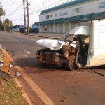 Motorista morre ao bater em árvore da Av. Leste Oeste, em Londrina