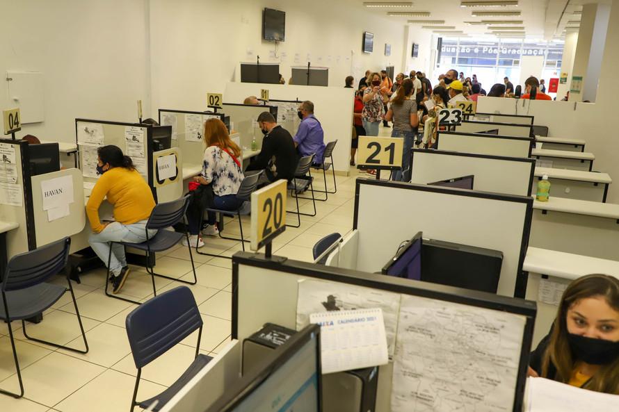 Paraná está com 3.785 vagas de emprego nas Agências do Trabalhador