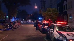 """""""Fomos aterrorizados por 40 minutos com armas na cabeça"""", diz mulher feita refém em sua própria casa"""