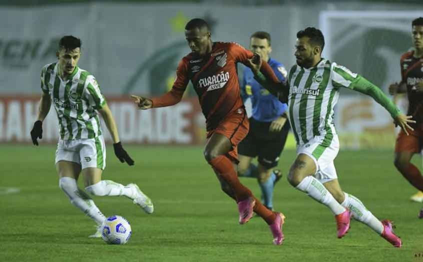 Athletico defenderá tabu de 21 anos contra o Juventude