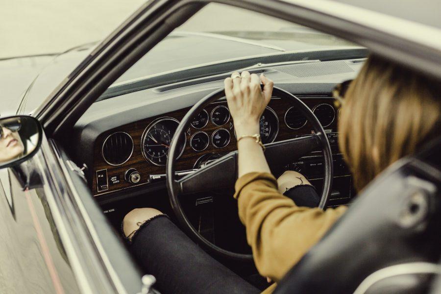 Podcast Maravilha de Domingo fala sobre a relação das mulheres com os automóveis