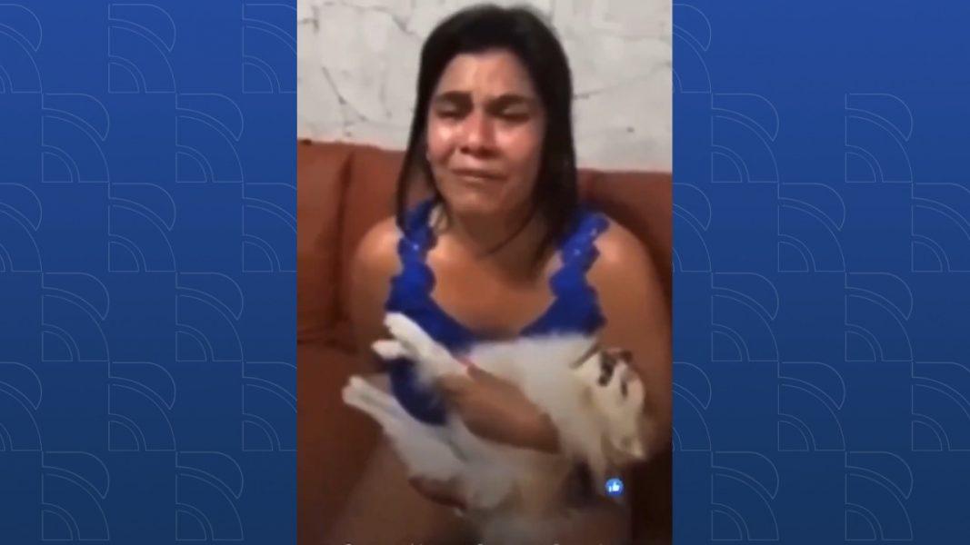 VÍDEO: Mulher leva cachorro em pet shop e animal volta morto