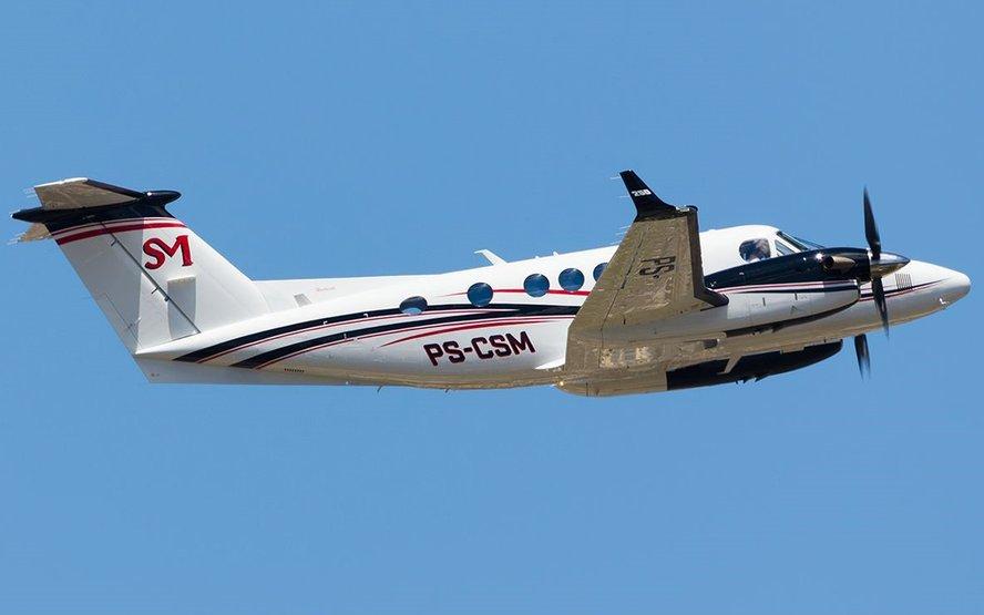 VÍDEO: Avião de empresário cai logo após decolagem e 7 pessoas morrem