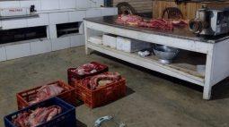 Polícia explica imagens de carne de cachorro que teriam sido apreendidas em SC