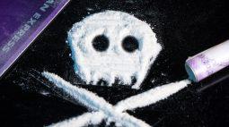 Motorista é presa carregando cocaína nos seios, e maconha no carro