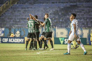 Melhor visitante da Série B, Coritiba segue quebrando recordes e atinge 81,5% de chance de acesso