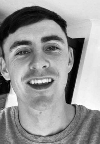 Homem que cortou a namorada e arrancou os pontos com os dentes a violentou até depois de preso