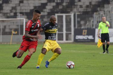 FC Cascavel vence o Athletico por 2 a 1 e está, pela primeira vez na história, na final do Campeonato Paranaense