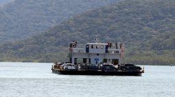 Ferry-boat proíbe travessia de caminhões de três eixos e acima de 14 metros
