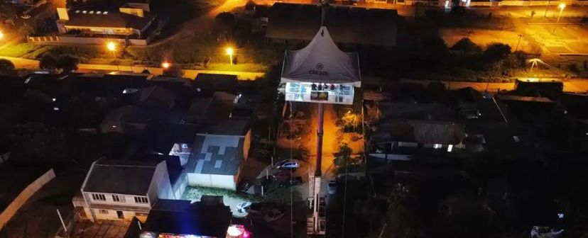 'Nem guindaste': bar cria festa a 40 m do chão na Grande Curitiba