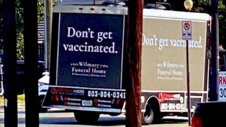 """Campanha de funerária 'contra' vacinação para a Covid-19 viraliza: """"Nos vemos em breve"""""""