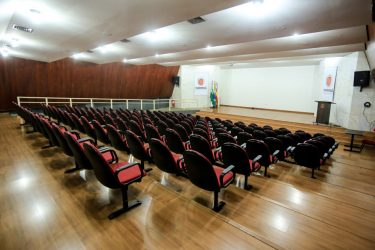 Maringá retoma público presencial no projeto 'Convite ao Cinema'