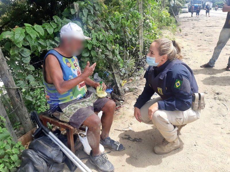 Idoso do Paraná passa mal e é resgatado com fome em rodovia de Pernambuco