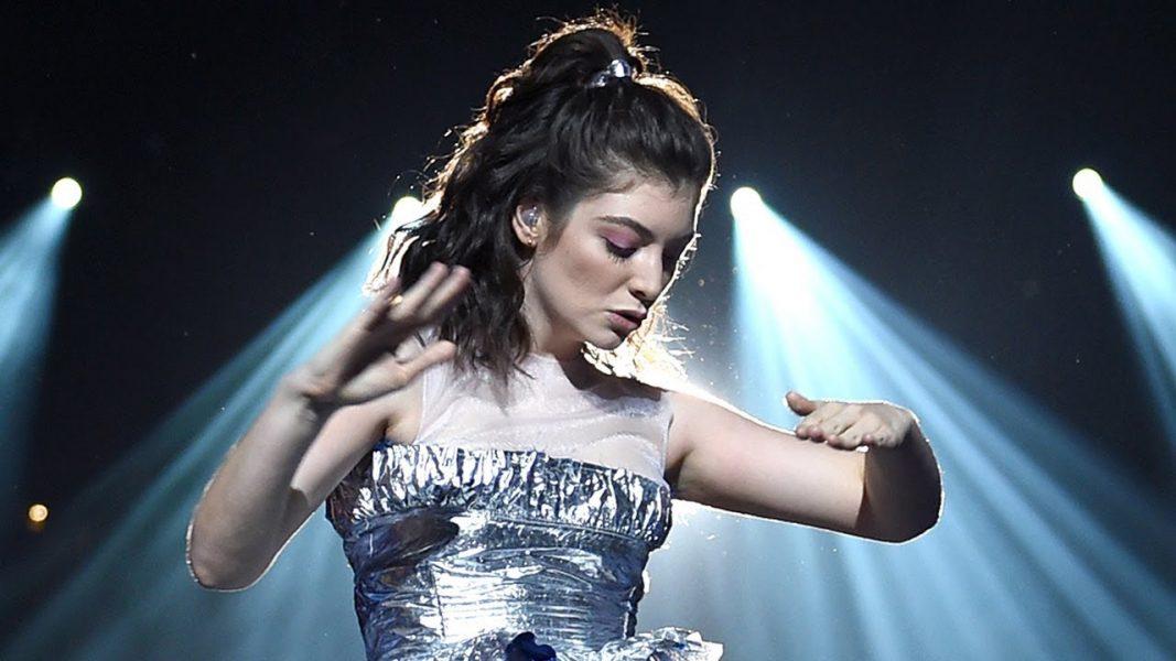 """Lorde explica cancelamento de sua performance no VMA 2021 """"não seria o que sonhei"""""""
