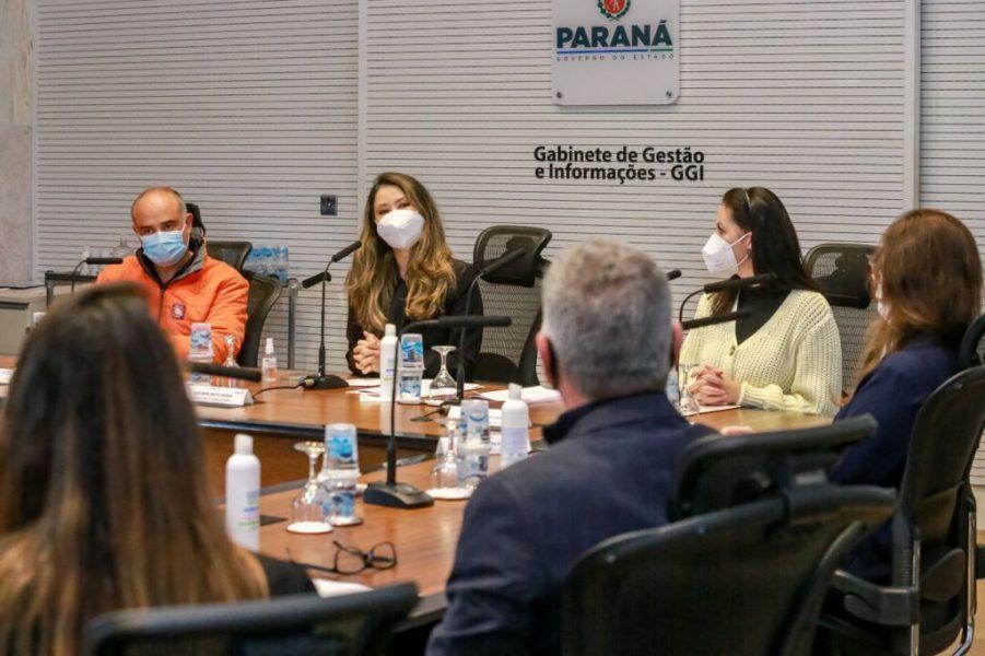 Campanha Aquece Paraná encerra com 120 mil agasalhos doados a paranaenses