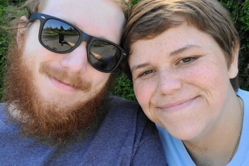 Marido morre esfaqueado ao tentar proteger esposa de invasor mascarado
