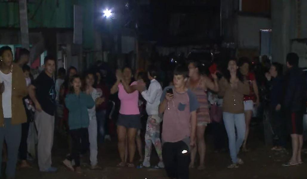 Moradores protestam contra ação da PM que matou homem no Santa Quitéria