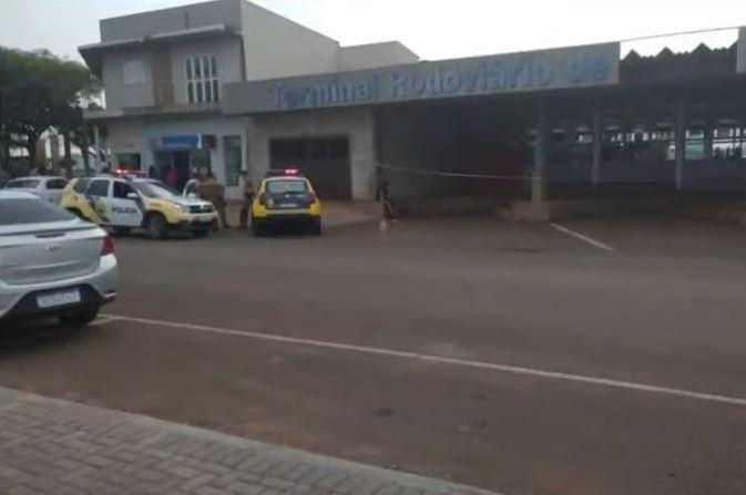 Mulher é encontrada morta na rodoviária e marido é suspeito de estrangulamento