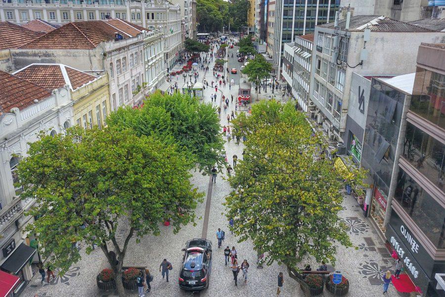 Curitiba registra 15 mortes e 304 novos casos de covid-19 nesta quarta (22)