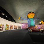 Exposição 'OSGEMEOS: Segredos' começa neste sábado (18) no MON