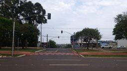 Semáforo no cruzamento da Rua Medianeira e AV. Brasil entra em funcionamento