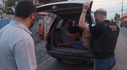Polícia prende três suspeitos de torturar e atear fogo em jovem que roubou camiseta