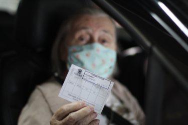 Idosos de 85 anos serão os primeiros a receber a 3ª dose contra Covid-19, em Cascavel