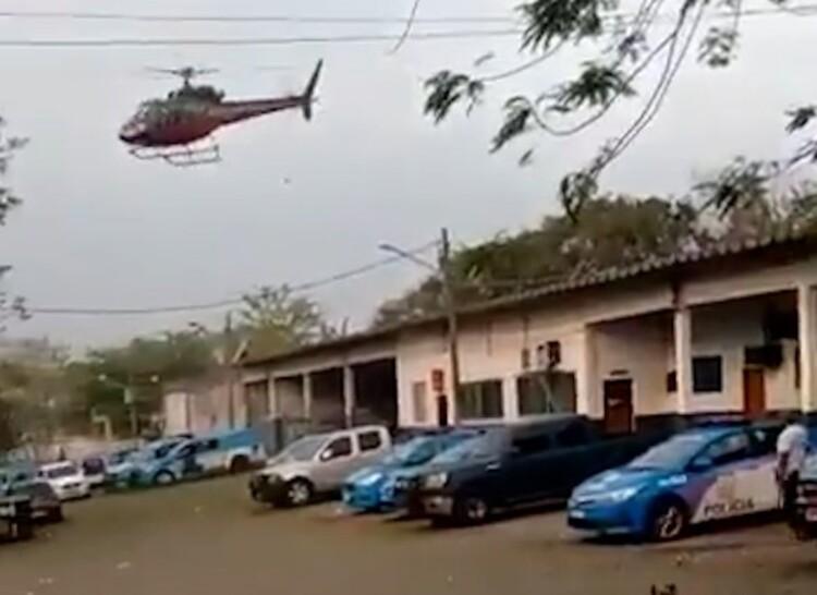 VÍDEO: Suspeito rende piloto de helicóptero, que reage e luta no ar com criminosos