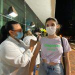 Maringá contraria recomendação do Ministério da Saúde e é 1ª cidade do PR a vacinar adolescentes com 17 anos