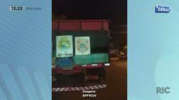 Policiais apreendem caminhão com grande quantidade de cigarros contrabandeados