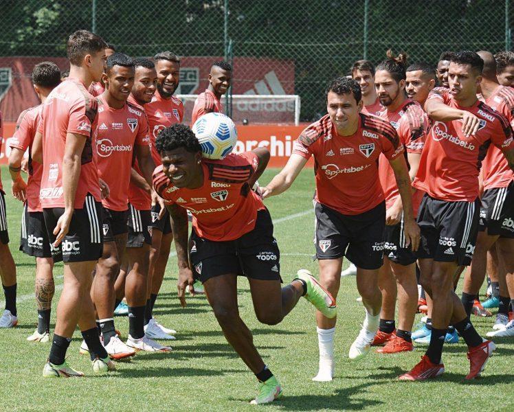 Arboleda faz aniversário e São Paulo celebra nas redes sociais