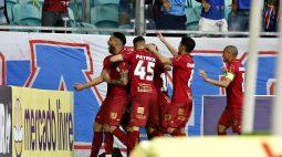 Bahia vence Chapecoense em casa e empurra Santos para o Z4 do Brasileirão