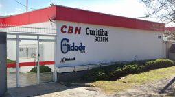 Sem renovação de contrato, CBN Curitiba muda de dono e funcionários são demitidos