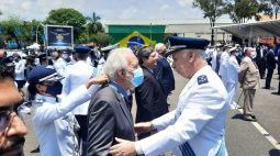 Vice-governador recebe homenagem da Aeronáutica