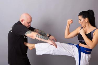 Londrina oferece curso gratuito de defesa pessoal para mulheres