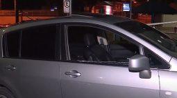 Jovem é executado dentro de carro ao lado da namorada, em São José dos Pinhais