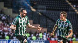 Léo Gamalho volta a marcar, mas Coritiba perde para o Vasco por 2 a 1