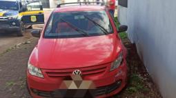 Após fugir da polícia e quase atropelar um pedestre, motorista é preso em Cascavel
