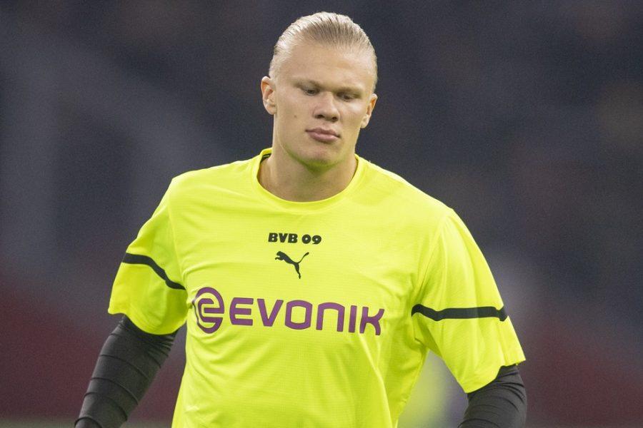 Com lesão no quadril, Haaland volta a desfalcar o Borussia Dortmund