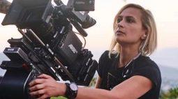 """Diretor se diz """"destruído"""" pela morte de diretora de fotografia por tiro acidental"""