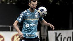 """Léo Baptistão só deve voltar a jogar pelo Santos em dezembro: """"Complicado de tratar"""""""
