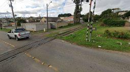 Manutenção em trilhos de trem causa bloqueio de rua no Barreirinha