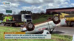 Carro capota em acidente às margens da rodovia e duas pessoas ficam feridas