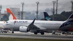 Passageiro sem máscara obriga avião a voltar para o aeroporto, em Curitiba (PR)