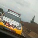 Vídeo gravado dentro de carro de suspeitos mostra perseguição que terminou com três mortos, em Maringá