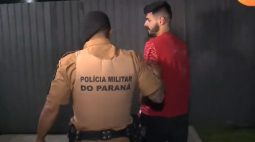 Após abordagem, usuário indica local de venda de drogas e suspeito de tráfico é preso